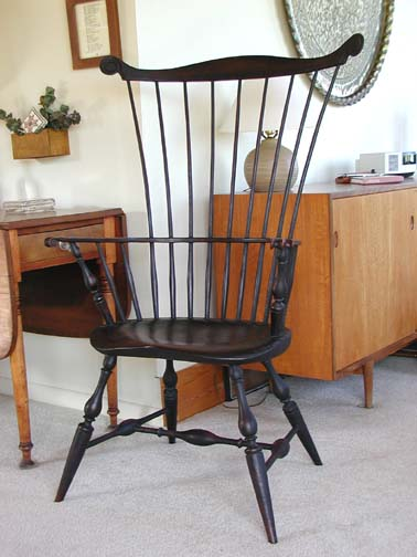 Large Comb-back Windsor Arm Chair