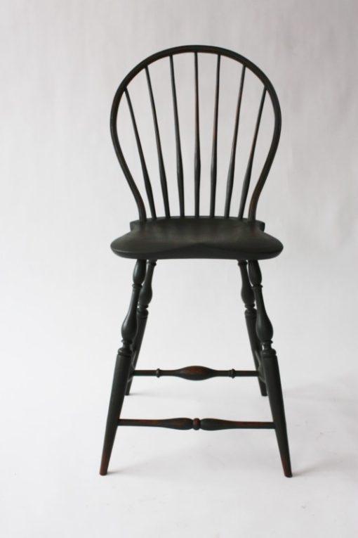 keyhole-back-stool