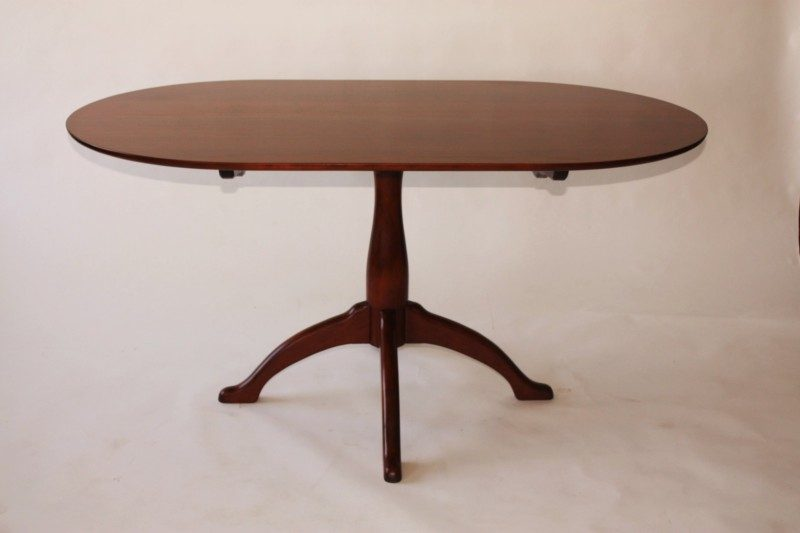 shaker-pedestal-table